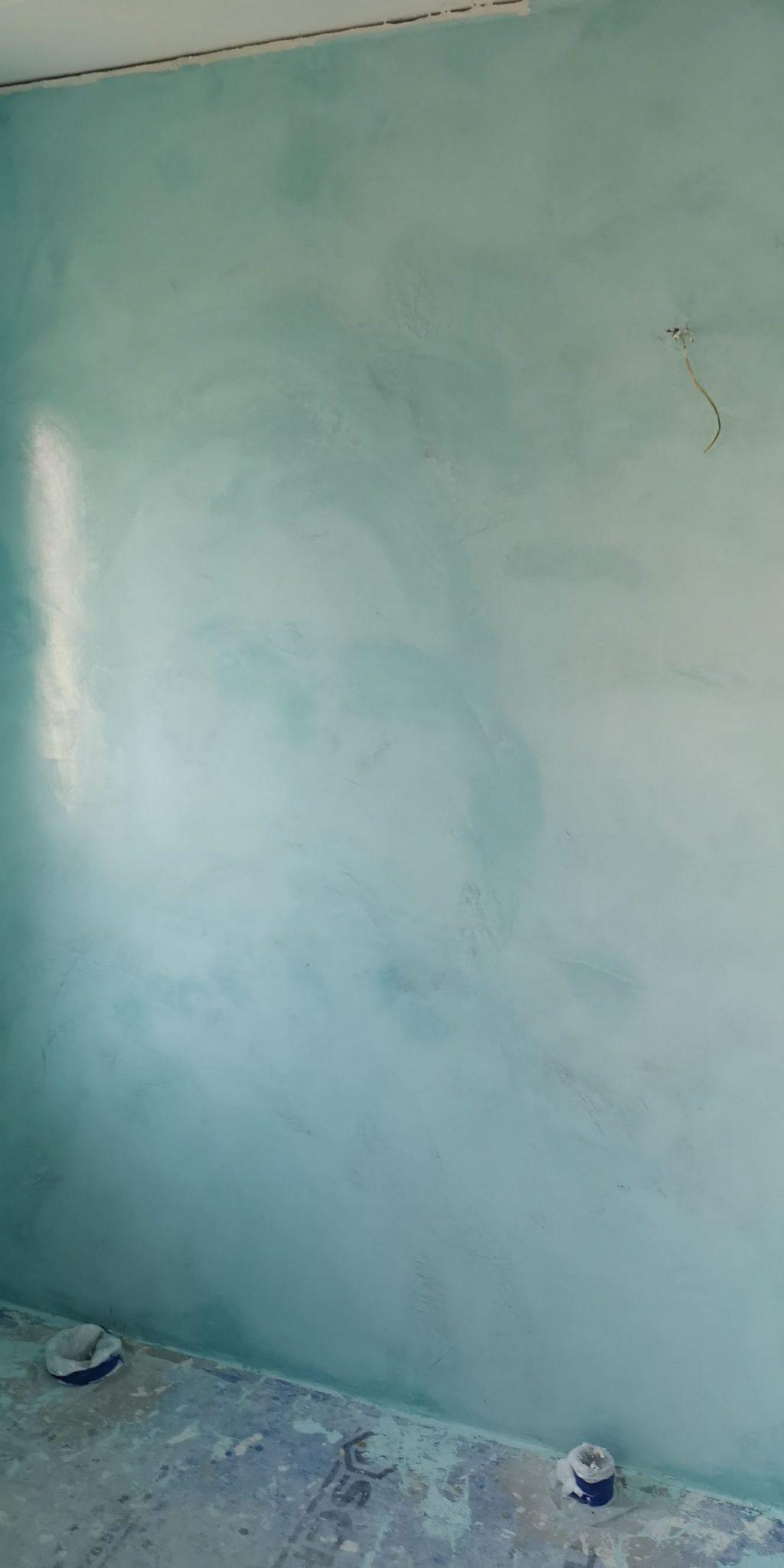 betongcement på vägg